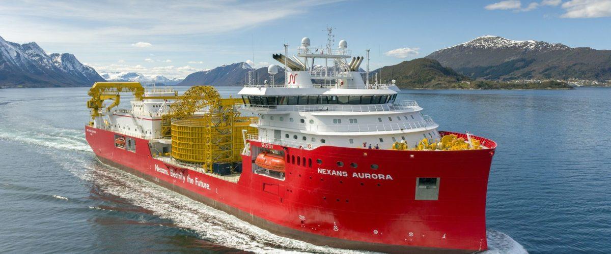 Nexans Aurora har utstyr for nøyaktig kabellegging og tåler tøffe værforhold både i Nordsjøen og ellers i verden der det bygges ut infrastruktur for overføring av kraft i kabler.